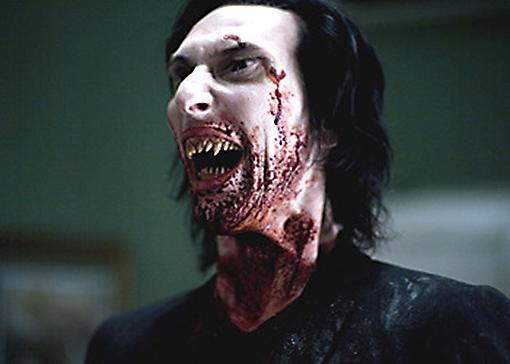 """Imagen de un vampiro en la película """"30 días de oscuridad"""""""