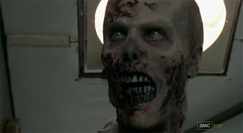 """The Walking Dead"". Zombi del primer episodio de la segunda temporada."