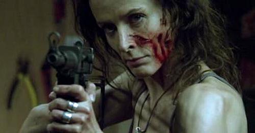 """Claude Perron interpreta a un remedo de Sarah Connor en """"La horda (Le horde)"""""""
