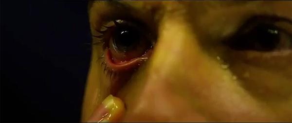 """""""Prometheus"""". El terror físico que generan los síntomas de la infección no podía faltar"""