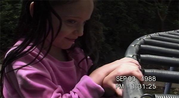 """Inquietante niña en """"Paranormal Activity 3-4"""""""