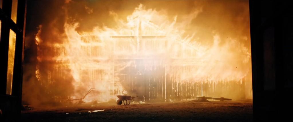 """Imágenes de """"El hechizo"""" (2020). No hay magia que sobreviva al fuego purificador"""