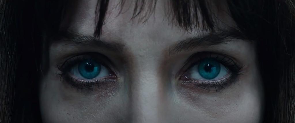 """Los ojazos de Annabelle Wallis son los auténticos protagonistas de """"Maligno"""" (2021)"""